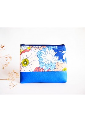 Kozmetická taška veľká - kvety s modrou