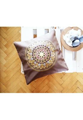 Povlak z mandalovej série-hnedo-zlatý 50x50