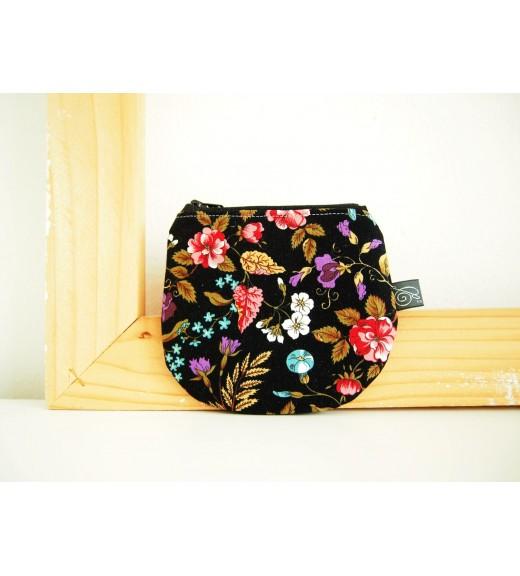 Peňaženka - kvety na čiernej