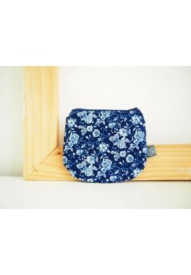 Peňaženka - kvietky v modrej