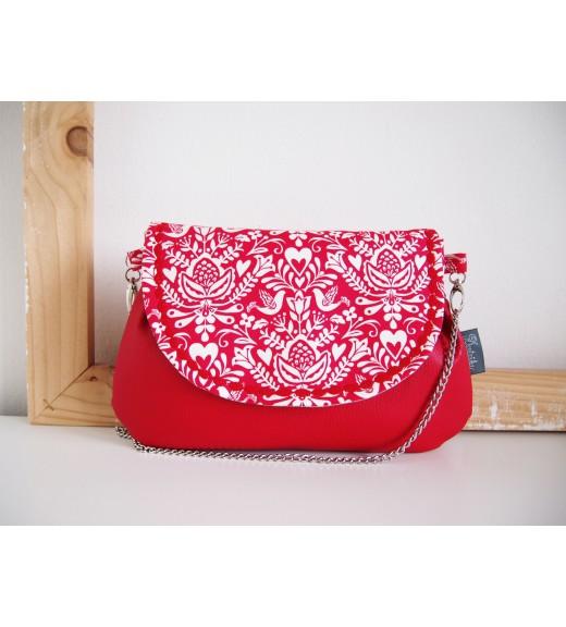 Červená folk kabelka s retiazkou VIII