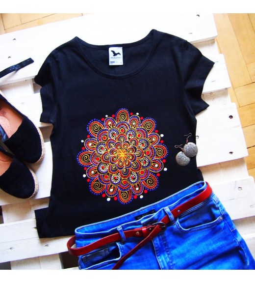 Tričko čierne so zlatou mandalou - S