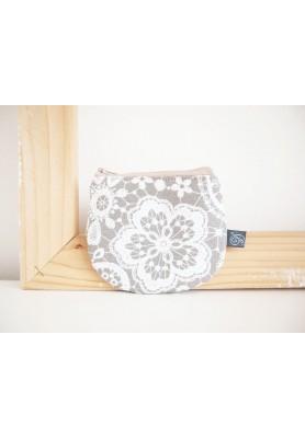 Peňaženka - krajka na béžovej